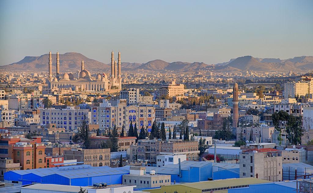 By المصور أنس الحاج (Sana'a – HDR) [CC BY-SA 2.0 (http://creativecommons.org/licenses/by-sa/2.0)], via Wikimedia Commons